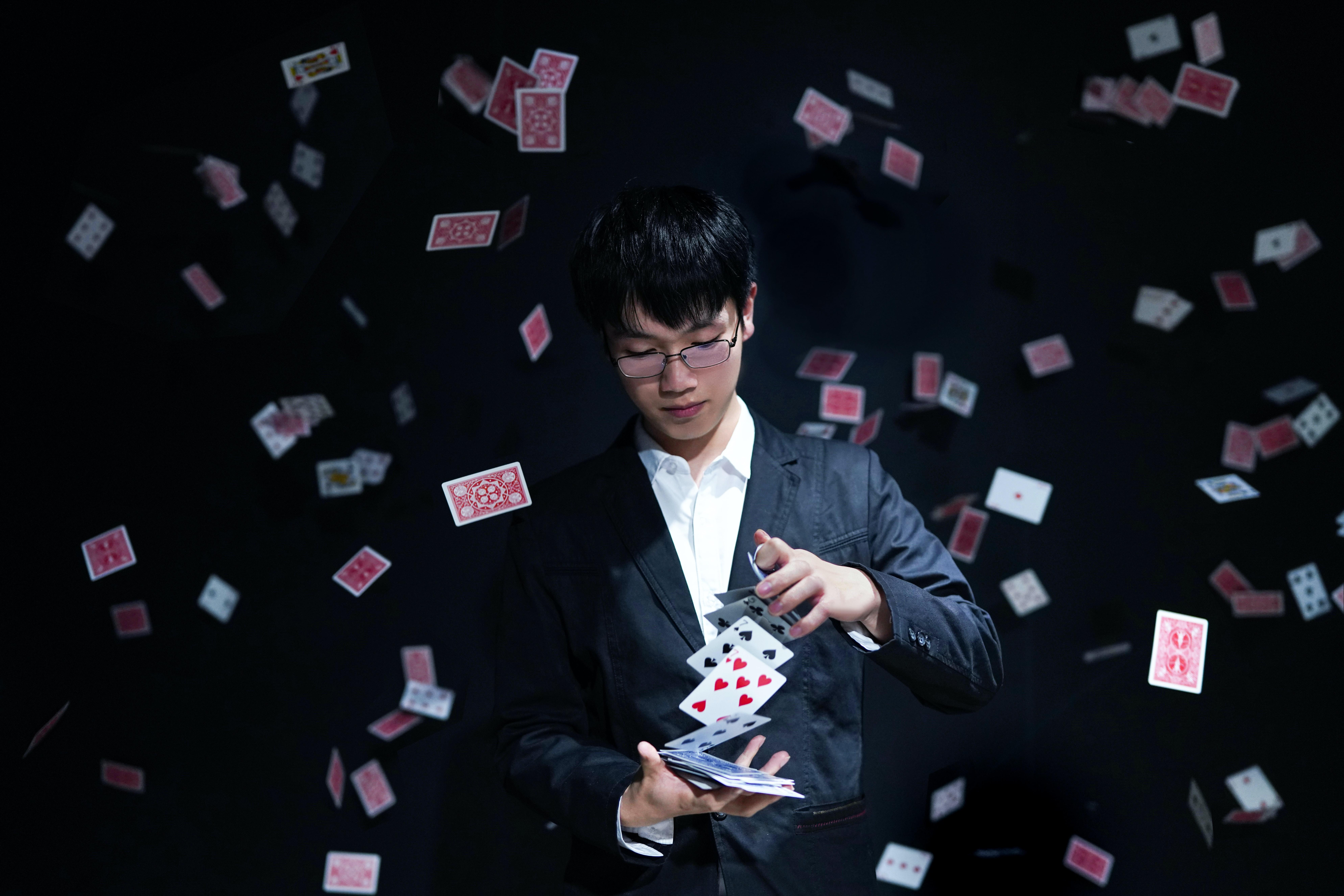 magicien cartes
